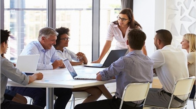 How Can You Foster a Collaborative Analytics Environment?